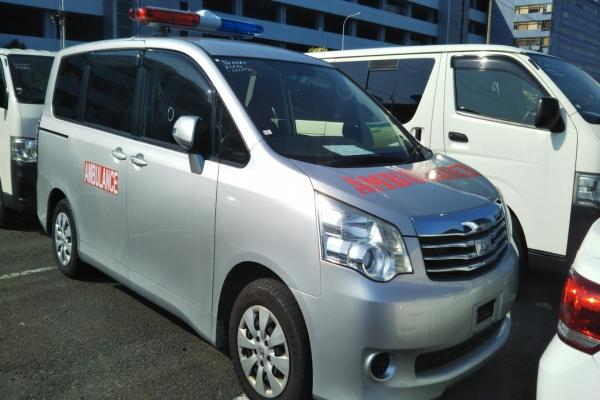 Noah Ambulance Silver 2013 Ready