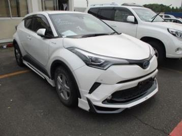 Toyota C-HR Hybrid 2017 Pearl Colour | Zayan Recondition Car